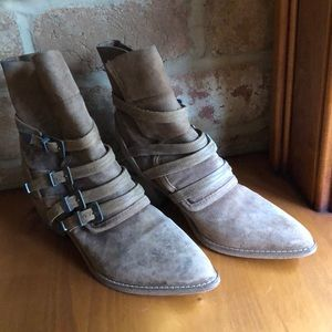 Free People size 41 boots